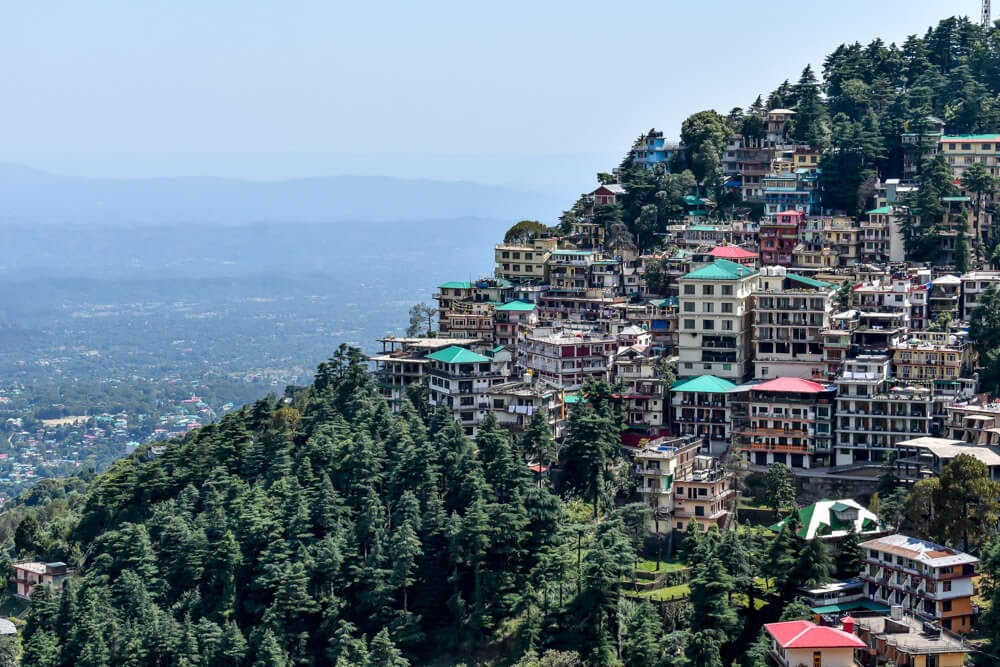 walking+from+dharamshala+bhagsunag+village+mcleodgang+around+dharamshala+kangra+valley.jpg