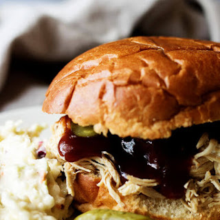 Brown Sugar Slow Cooker Barbecue Chicken Sandwich Recipe