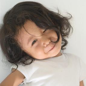 klik by Yosep Atmaja - Babies & Children Child Portraits ( girl, daughter, smile )