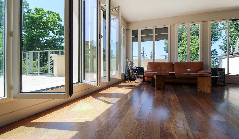 Appartement contemporain avec terrasse et piscine Garches