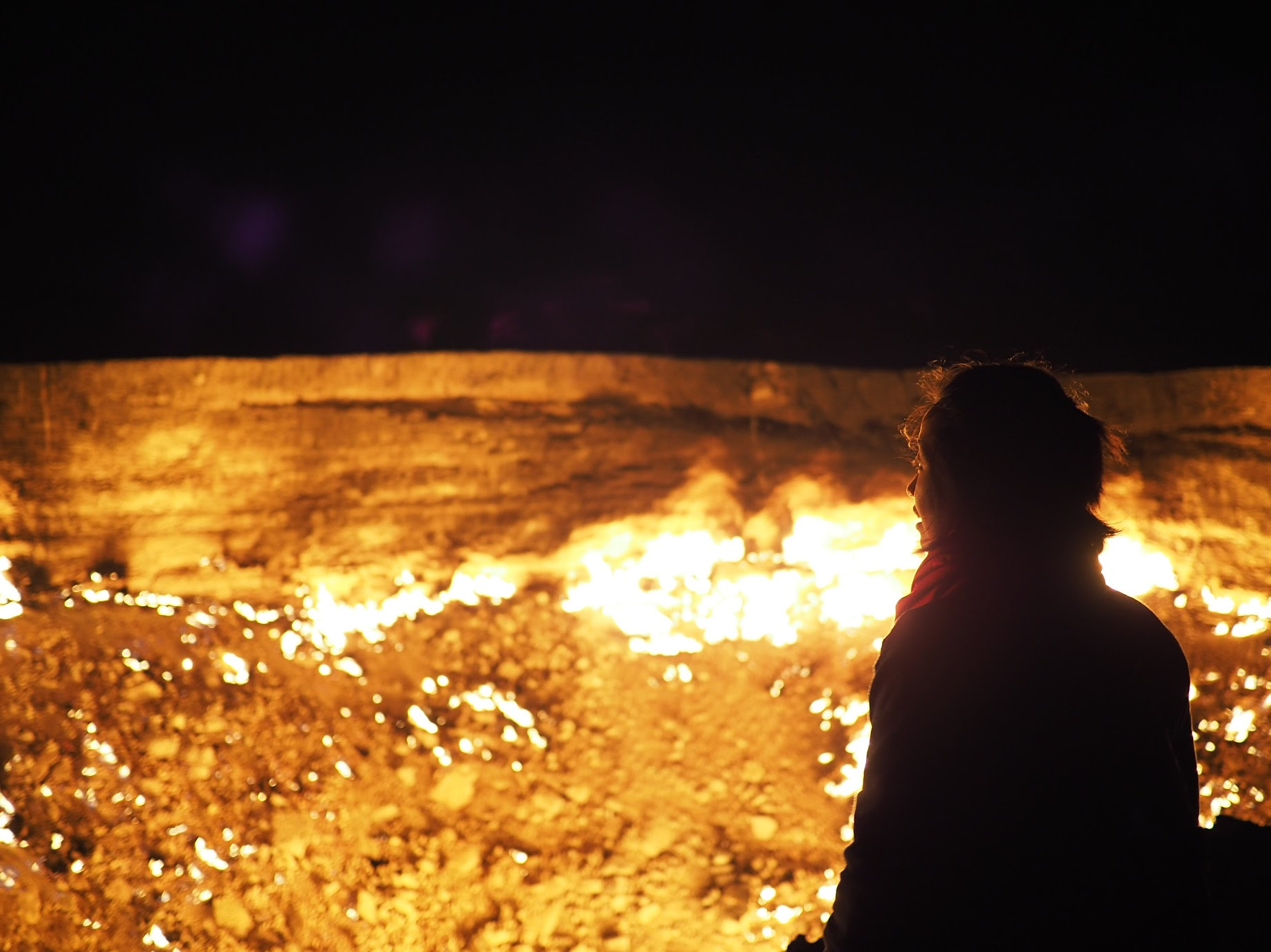 Darvaza Crater in the middle of Karakum Desert exceeded my expectation. I couldn't take my eyes off the dancing flames.
