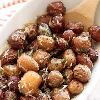 Slow Cooker Herb Roasted Garlic Potatoes