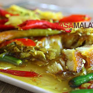 Nyonya Acar Fish Recipe (Acar Hu).
