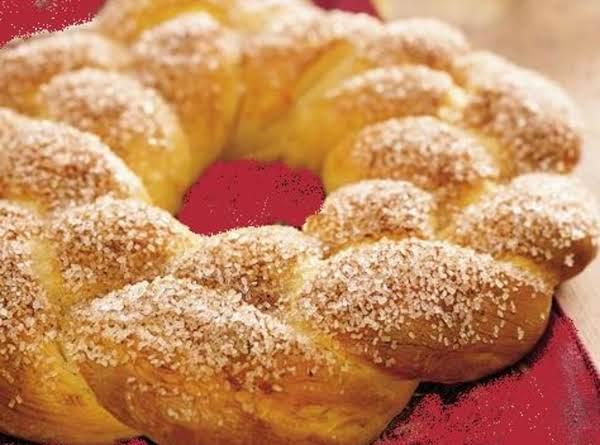 Sugar 'n' Spice Wreath (for Bread Machine)