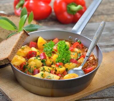 Albanische Kartoffelsuppe