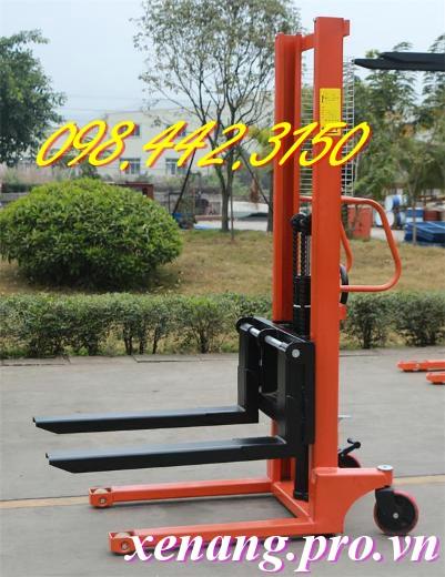 Xe nâng tay cao 1.6m tải trọng 2 tấn