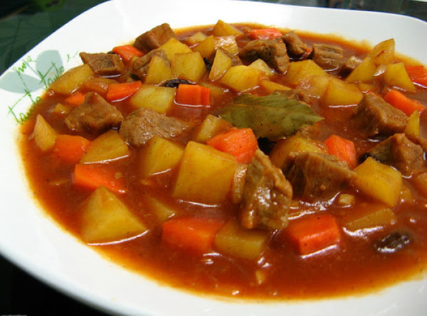 Spanish Style Chicken In Tomato Sauce Recipe