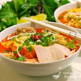 Vietnamese Crab with Tofu and Rice Noodle Soup (Bun Rieu Recipe)