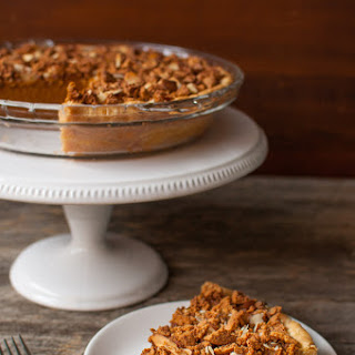 Amaretto-Almond Crunch Pumpkin Pie