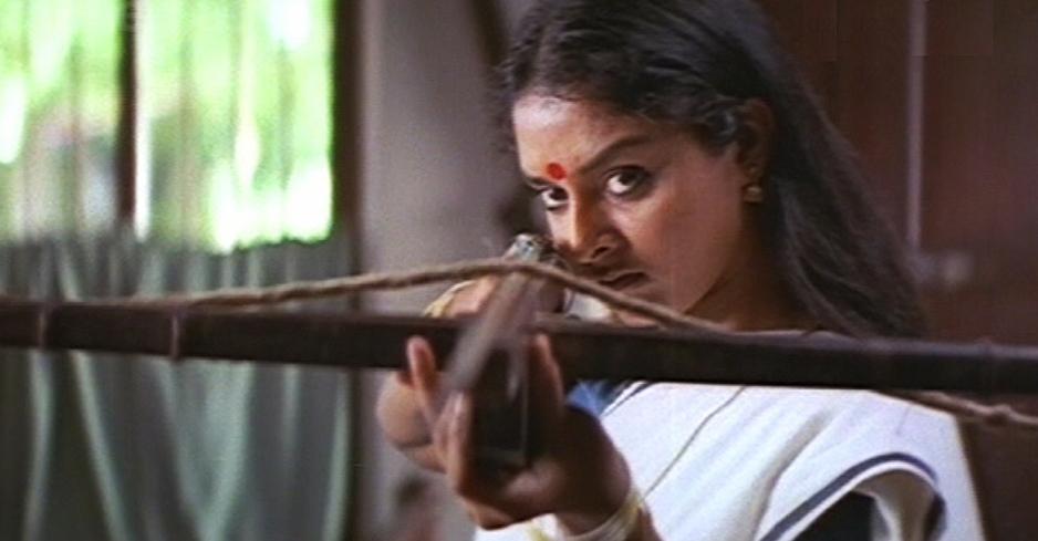 Bhadra in Kannezhuthi Pottum Thottu
