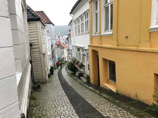 Bergen-cobblestone-walkway.jpg - A cobblestone walkway winds down to downtown Bergen, Norway.
