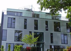 Photo: Alu-Fassade samt Verglasung und Wendeltreppe zur Dachterrasse