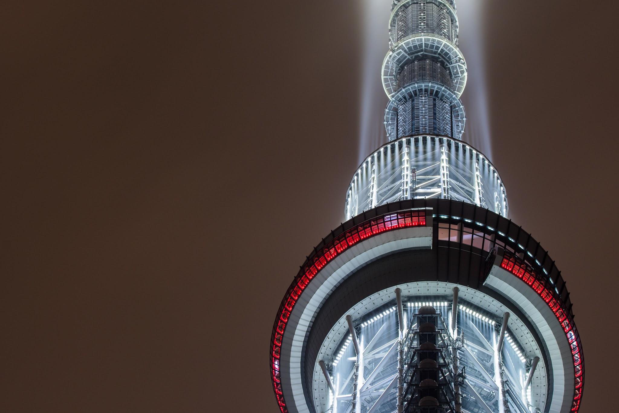 Photo: 「宇宙への放出」 / Ray of civilization.  天へと伸びる 文明の大樹 存在を示すかのように 宇宙へと今日も光を放つ  TOKYO SKYTREE (東京スカイツリー)  #nikon #sigma #nightview #landscape #tokyo  Nikon D500 SIGMA 150-600mm F5-6.3 DG OS HSM Contemporary