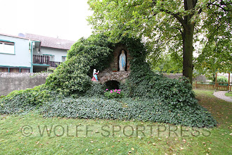 Photo: Garten Kirche in Alsheim