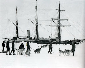 Photo: 6 de enero de 1915, ejercitando a los perros.