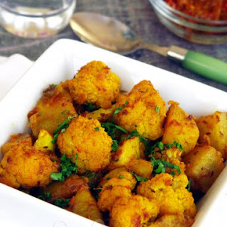 Aloo Gobi / Spiced Cauliflower and Potatoes