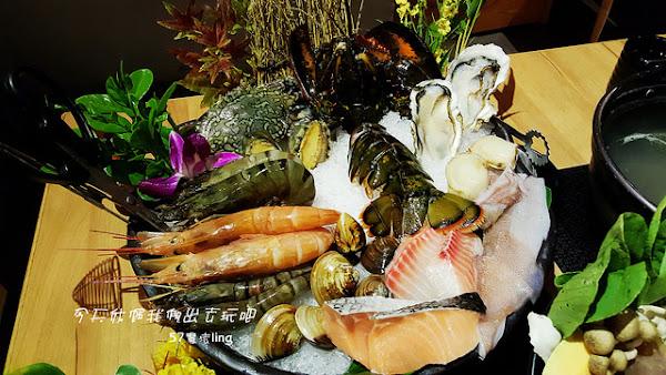 灰鴿/鍋。吃火鍋。真的是滿滿一桌菜。吃完大滿足