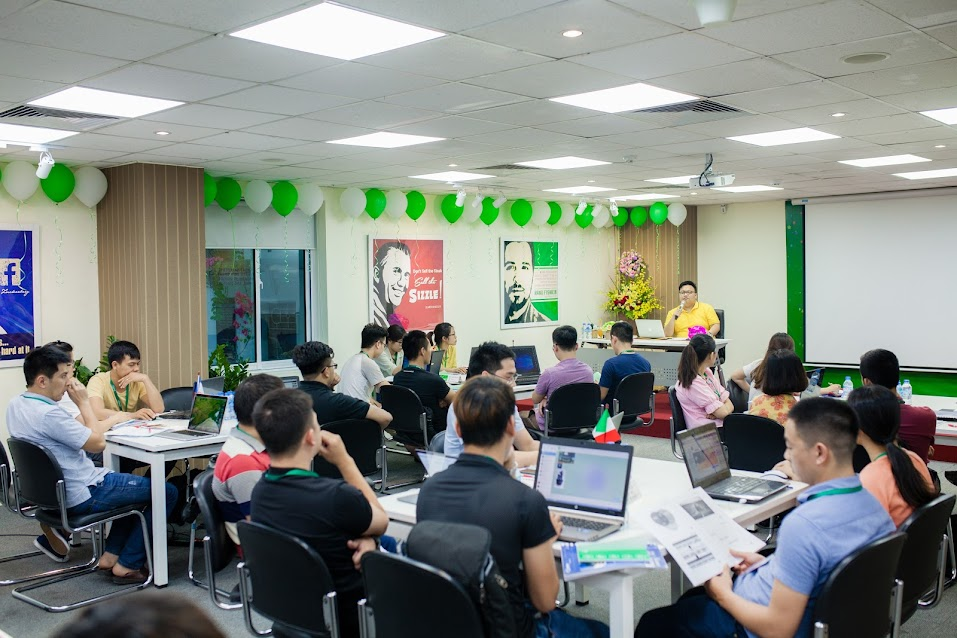 Hình ảnh khai giảng khoá học Facebook Marketing K28
