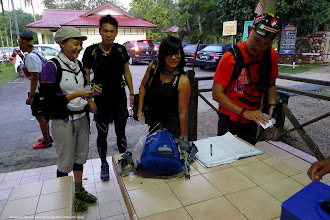 Photo: A small group trail running at Gunung Nuang, including of going to the peak on 24 May 2014.
