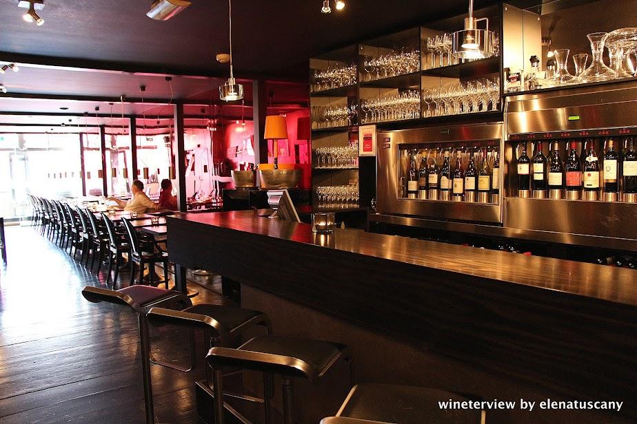 bubbles & wines, wine bar, wine bar amsterdam, wine amsterdam, bar vino amsterdam, vino amsterdam, enoteca amsterdam, enoteca, wine testing, винотека амстердам, вино амстердам