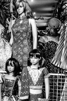 Bambole al China Town di Marco Piva