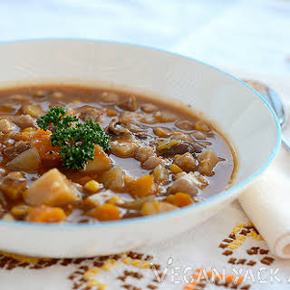 Smokey Mushroom & Vegetable Slow Cooker Stew.