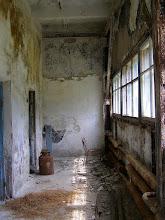 Photo: Внутри полная разруха.