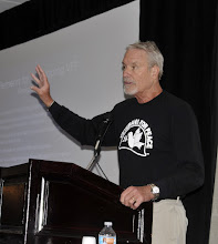 Photo: VFP President Barry Ladendorf opens the business meeting on the third day of the VFP convention in San Diego.