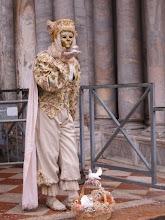 Photo: Venezia carnaval - les italiens déguisés ont choisi leur thème et fabriqué leur déguisement eux-même.