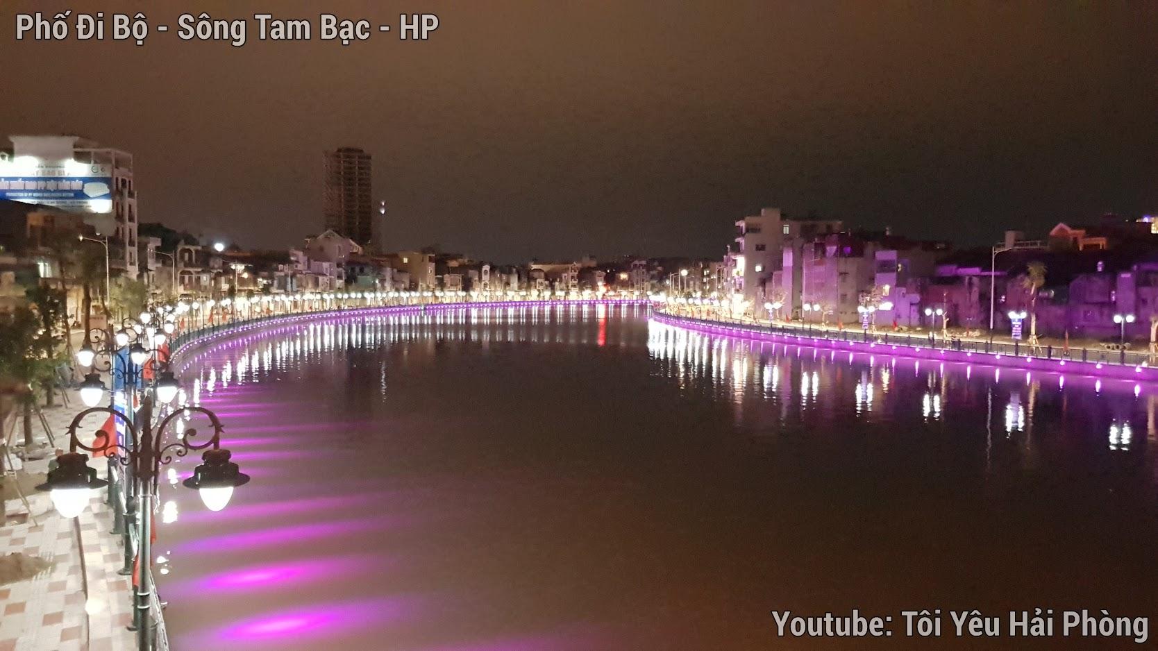 Buổi tối ở Phố Đi Bộ bên sông Tam Bạc ở Hải Phòng 7