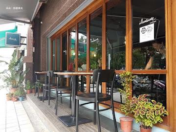 河映咖啡館