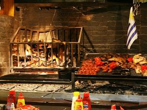 Photo: Uruguaylaisen parrillan valmistamiseen käytettävä uuni/grilli/parilla