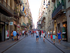 Photo: One of the busiest streets in the center, a thoroughfare between the town hall and La Rambla.