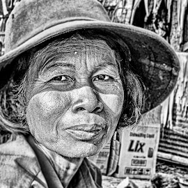 Tired by Richard Michael Lingo - Black & White Portraits & People ( black and white, woman, worker, vietnam, people,  )