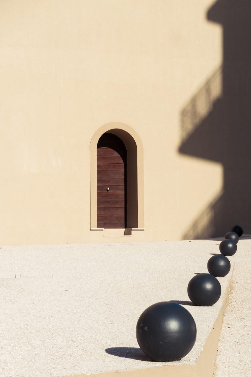 La porta verso il Surreale. di MicheleCarrano