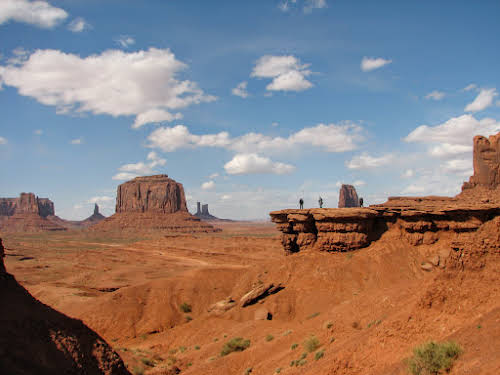 American Southwest Road Trip: Four Corners, Route 66, and National Parks // Monument Valley Navajo Reservation