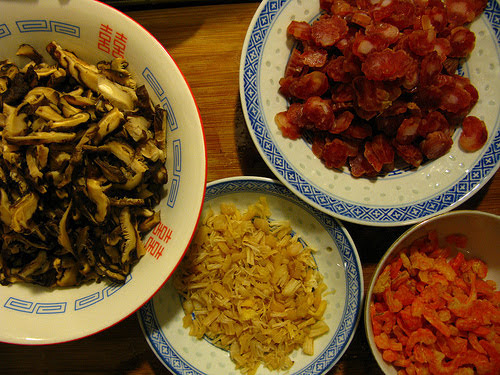 chinese, daikon, dried mushroom, dried scallop, dried shrimp, festival, lap cheong, radish cake, recipe, turnip cake, 蘿蔔糕
