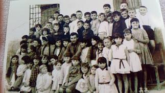 Los alumnos del Colegio de Laroya en los años 60.