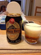 Photo: アビイビール。いわゆる黒ビールに酵母みたいな香り。でも飲んだ後は普通の後味。ところでアビイビールって本来ビールの種類の名前で普通名詞では…