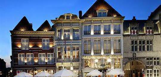 Hotel De Draak & Résidence Dagmara