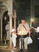 Photo: Иерусалим.Храм Гроба Господня. Поставил три свечи.