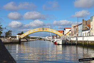 Photo: Puente de los pescadores, en el escudo hay una gaviota, símbolo de la ciudad.