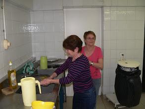 Photo: Et après les libations, la vaisselle...