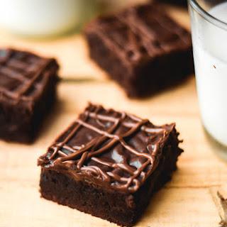 Extra Dark Chocolate Chunk Brownies & Nutella Fudge Frosting
