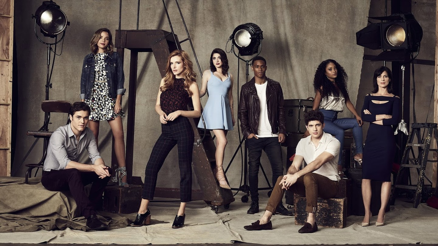 Watch Famous in Love live