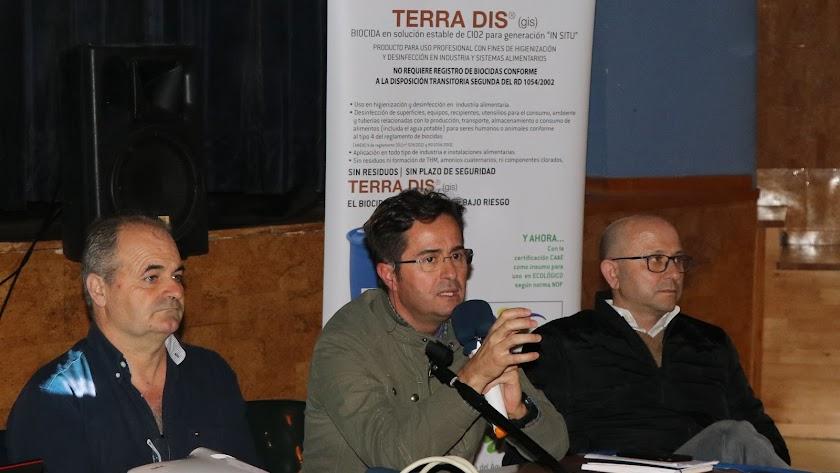 Ponentes durante la I Jornada de agricultura en Balerma.