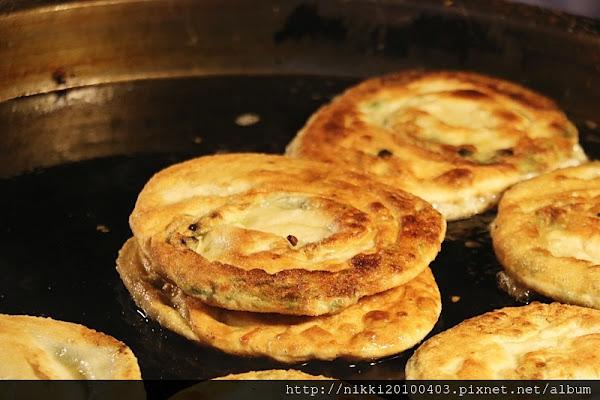 彭記蔥油餅 宜蘭東門夜市人氣美食 宜蘭夜市美食小吃