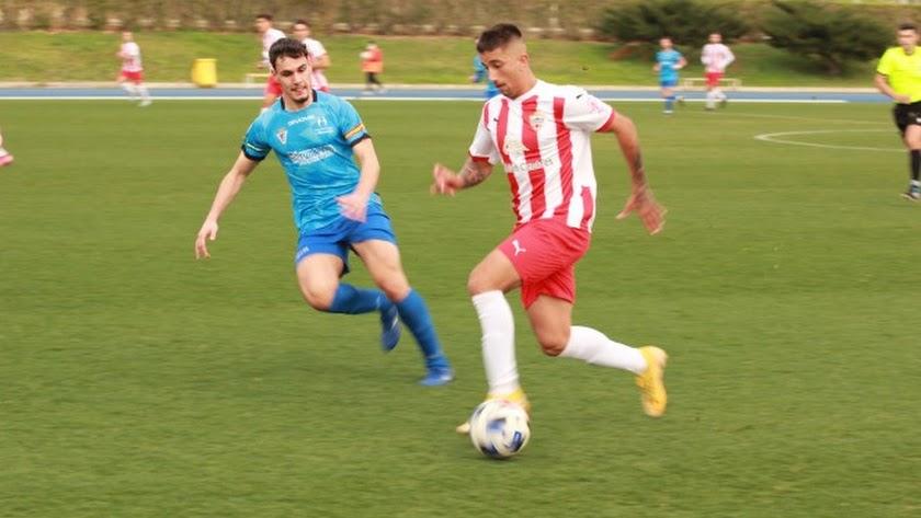 Cristian Olivera debuta con el Almería B para tener minutos.