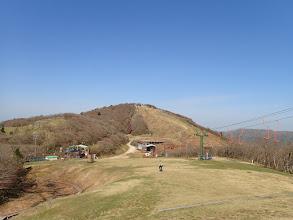 スキー場コースを歩く