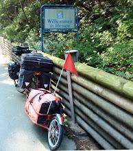 Photo: ab sofort in Hessen, hier treffe ich ein nettes Radlerpaar